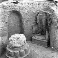 Minor cultic areas - Room  75 (neg 12045-9)